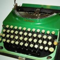cropped-greentypwriter